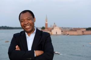 Okwui Enwezor. Direttore del settore Arti Visive – la Biennale di Venezia. Curatore della 56. Esposizione Internazionale d'Arte All The World's Futures. Photo: Giorgio Zucchiatti (particolare)