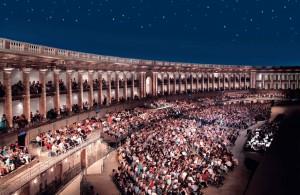 Macerata, il pubblico del Festival dello Sferisterio