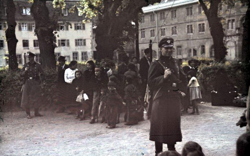 Deportazione di Rom e SInti, 22 maggio 1940 (Bundesarchiv R 165 Bild-244-52, Asperg, Deportation von Sinti und Roma)