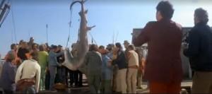 """img. 2 Una scena da """"Lo squalo"""" (1975)"""