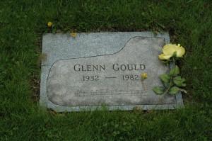 La tomba di Gould nel cimitero di Mount Pleasant, a Toronto
