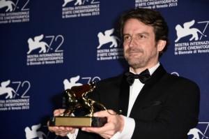 Lorenzo Vigas, regista del film From Afar, vincitore del Leone d'Oro