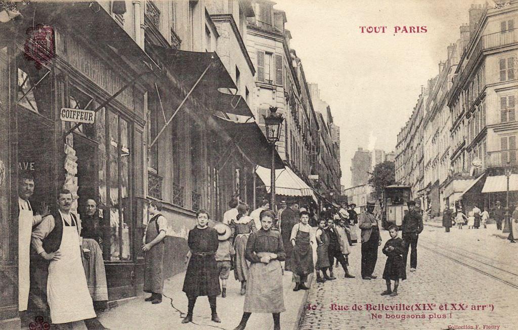 1326126877-40-Tout-Paris-Rue-de-Belleville-Ne-bougeons-plus-XIXe-et-XXe-arrt-