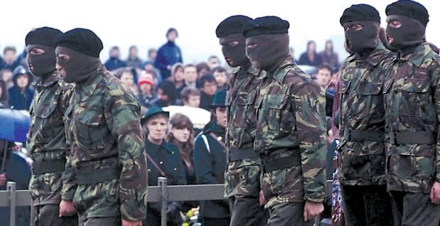I funerali di Bobby Sands nel 1981  (http://irahistory.com/)