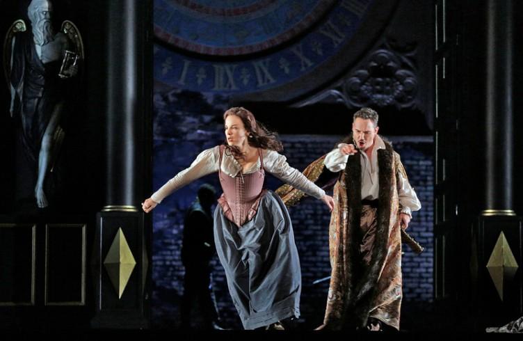 A scene from Donizetti's Roberto Devereux. Photo by Ken Howard/Metropolitan Opera