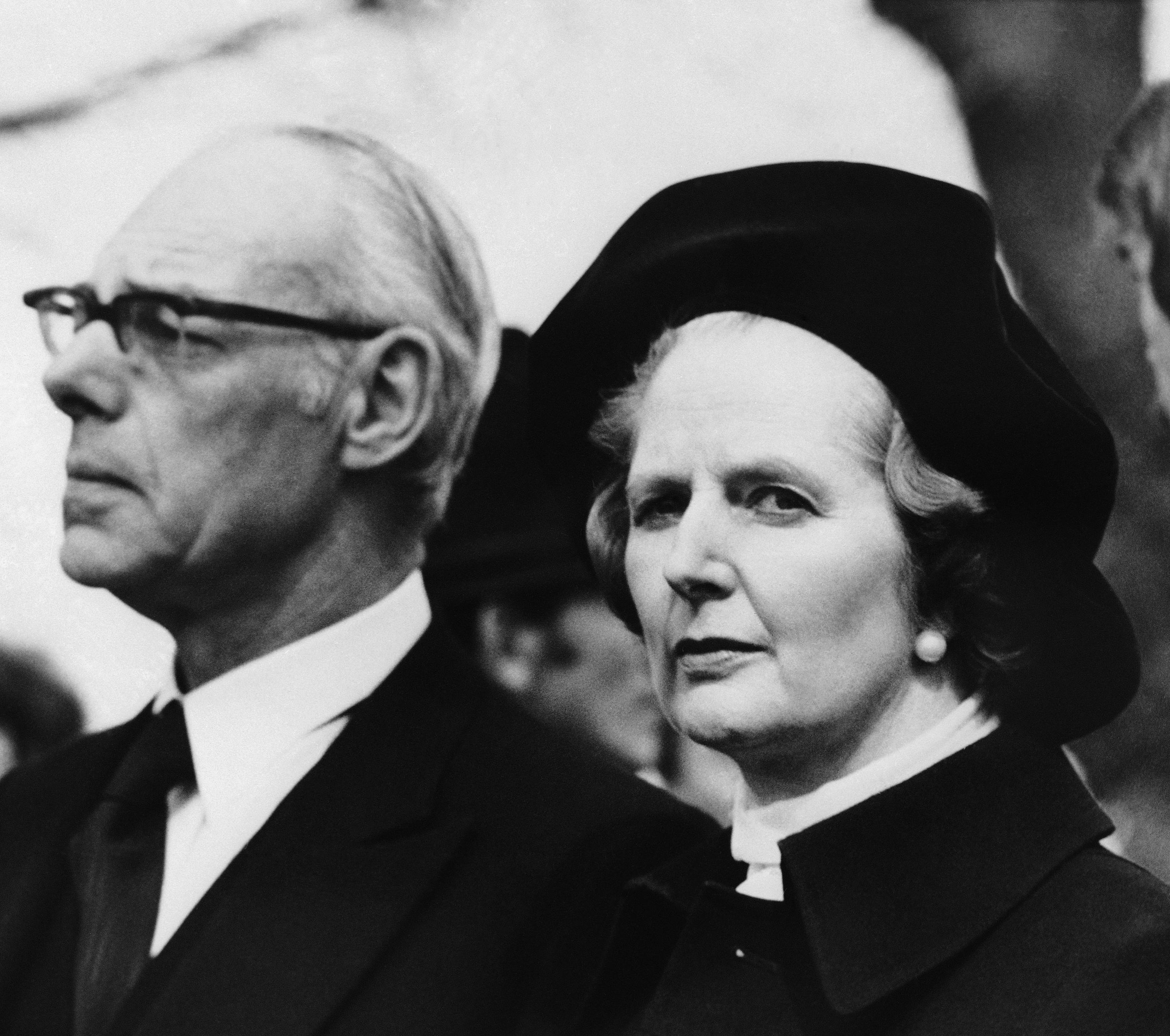 Margareth Thatcher con il marito ai funerali di Airey Neave. leader dei Tories- Aprile 1979.  (Getty Foto)