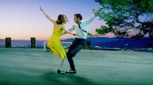 Una scena di La La Land, con Ryan Gosgling e Emma Stone
