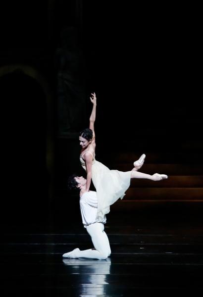 con Alessandra Ferri in Romeo e Giulietta, Universal Ballet foto-Kyoungjin-Kim