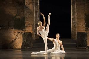 Roberto Bolle e e Melissa Hamilton in 'Apollo' di Balanchine, Pompei Teatro Grande