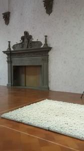 Blossom (Fioritura), 2015. Porcellana, cm 8 x 80 x 80 ciascuna, cm 8 x 2400 x 320 installazione. Courtesy l'artista e Galleria Continua, San Gimignano/Beijing/Les Moulins/Habana