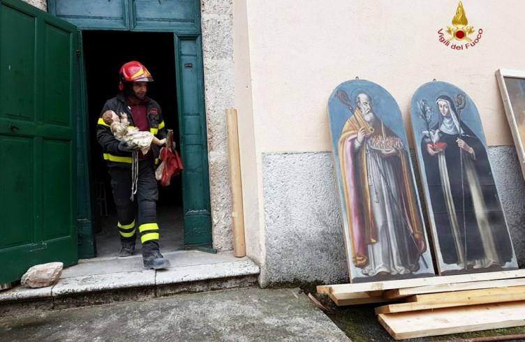 Recupero Opere Chiesa San Pellegrino_fotoVVFFRID
